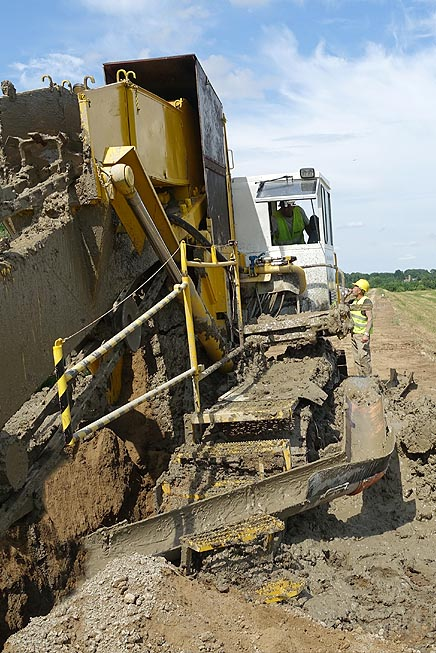 Trencher CDMM, strengthening and sealing of soil.